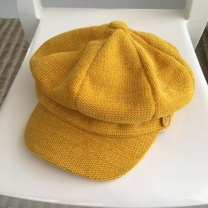 Gold Newsboy Hat Like New Trending Color Fall 2019